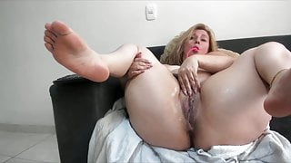 Milf squirts and pees