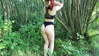 Naked wife KleoModel public fuck and blowjob in the bushes.