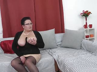 Free videos of chubby moms fucking there sons Chubby mature mothers fucking lucky sons