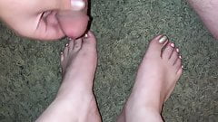 I cum all over Latina sluts sexy feet
