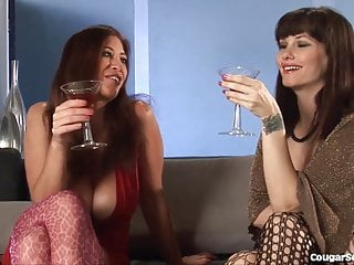 Cougar sex club thumbs Hot group sex with 3 horny milfs