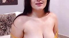 Beautiful latin busty girl 01