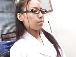Sexy doctor porn - Sexy doctor making a blowjob-sexy doctora haciendo una mamda