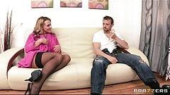 Nikki Sexx учит ее нового мужчину, как заставить ее сквиртовать