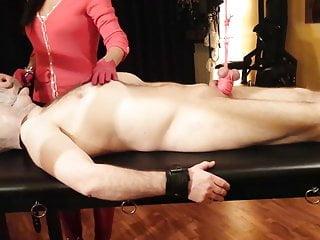 Pussy genitals Bondage genital y rueda