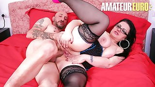 AmateurEuro - Italian Cougar Bambolona Petra Has Anal Fun On Cam