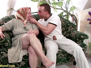 Granny brutal fucked 86 years old cubby hairy mom rough fucked by her toyboy