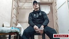 Russian str8 prisoner jerking off