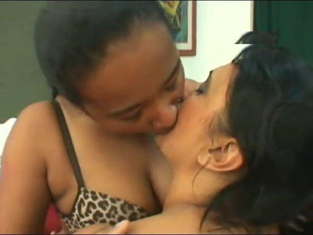 Malena Morgan Lesbian Kissing