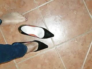 Pantyhose shoe Nylon feet red nails shoes play