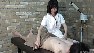 Japanese Esthetician Gives Electric Massage and Facesitting