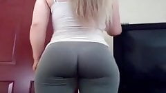 LAWD THIS WHITE CHICK HAS ASS!!!