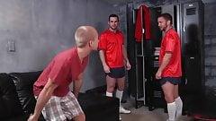 Gay Sex : Phenix Saint (Condom sex)