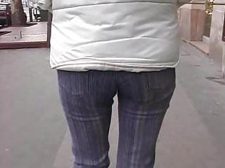 Hot outdoor peeing vids - Outdoor - peeing 1 of 4