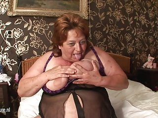 Big mama movie porn - Big mama squirts and gets a face full of cum