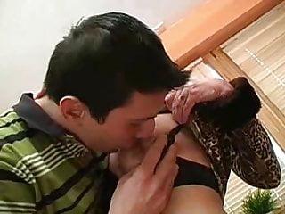 Grandma solo xxx - Kissing grandma