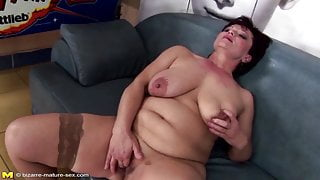 Mature queen step mom gets her pussy destroyed by fists