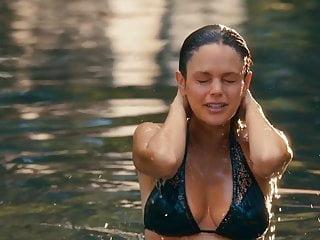 Rachel rice bikini Rachel bilson - hart of dixie s04e01