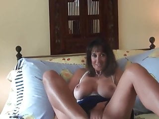 Hairy mief Nice mature milf gets crampied