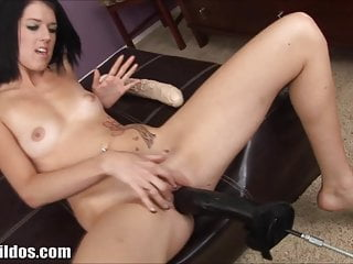 Brutal girl dildo - Brutal dildos fucking machine pounds her pussy in hd