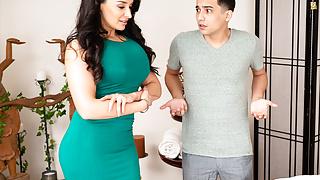 Latina stepmom MILF Sheena Ryder wanted anal sex from stepson