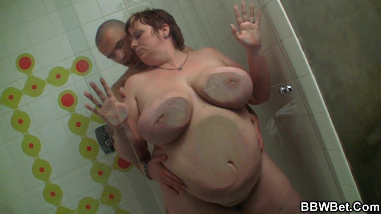 Fat girls fucking in the shower — photo 1