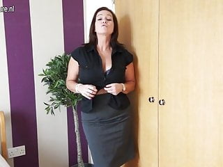 Classy free mature Classy amateur mother with hungry vagina
