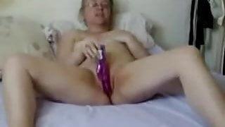 Dirty dildo granny
