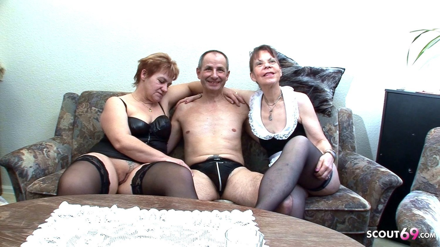 Real German 3some of two Usern with Amateur Girl