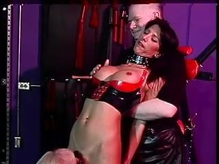 Sexy butt peaks Nina spanking her sexy butt