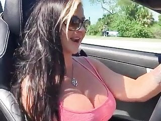 Girls looking great naked videos Look at this great boos beautiful girl in the car