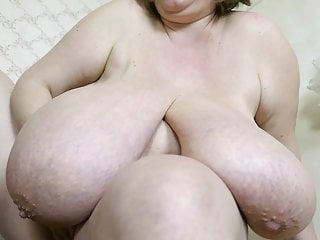 Saggy boob video - Absolutely huge bbw boobs