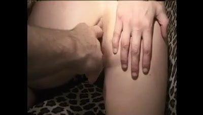 Une salope anale blonde
