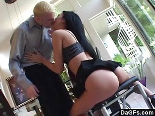 Crushed by ass - Dagfs tight ass gets crushed
