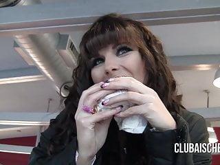 Bobs burgers sucks - Public blowjob inside burger store with cumburger eating