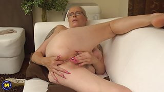 Hairy step mom wants anal and pussy fuck