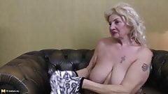 german mature huge tits masturbates
