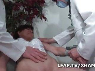 Vaginal insertion fisting Examen anal et vaginal pour cette mature francaise