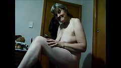 granny nude playing with her tits