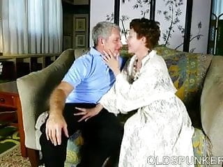 Ladies that love cocks Super cute older lady loves to suck cock and eat cum
