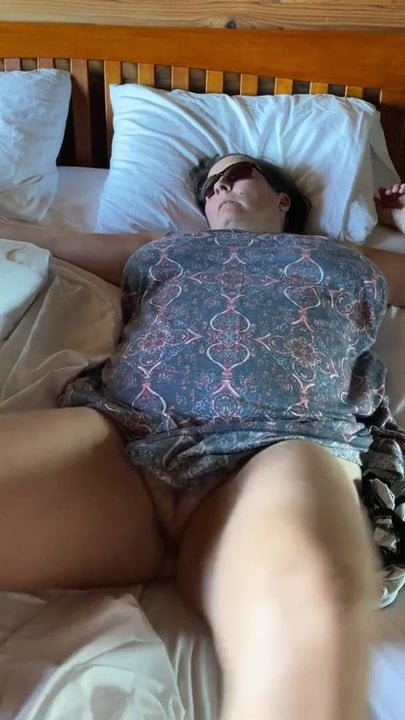 Lady i know i filmed herself cumming