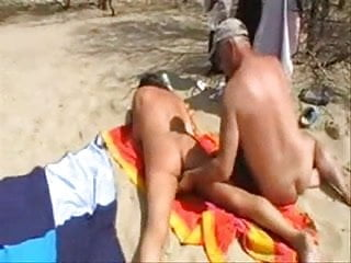 Home made xxx tube Wife has fun with strangers at the beach. home made
