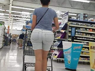 Bubblebutt trannys Big bubblebutt latina in jean shorts