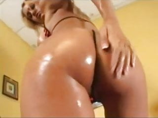 Big wet ass and pussy pic - Wet ass gets wetter with this tight pussy