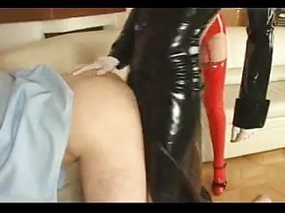 Strap-on dildos Two femdom big strap-on and fisting