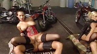 PIRATE FETISH MACHINE 02 - DOMINATRIX SEX GAMBIT