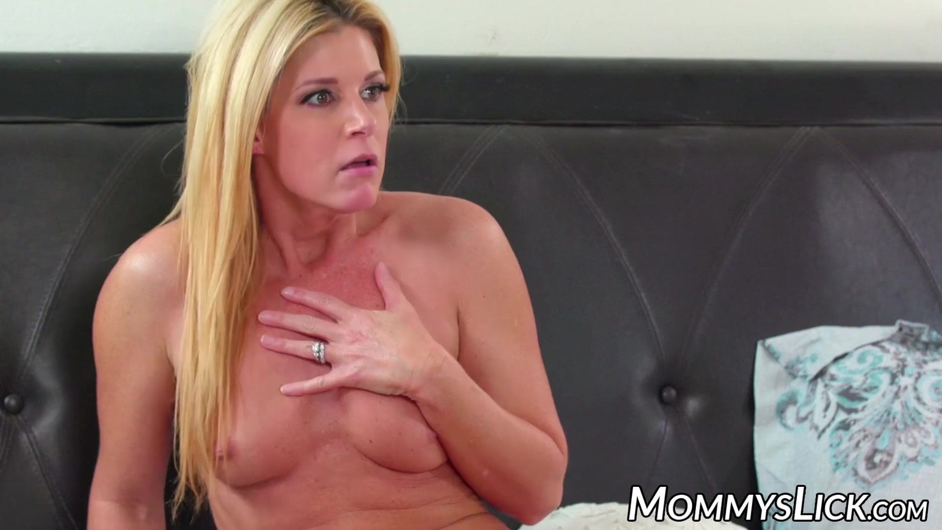 Lusty stepmom eats out daughters pussy xxx image hot