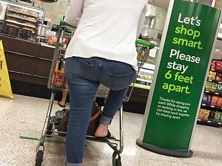 Milf in panties posing Strike a pose milf in tight jeans at grocery store