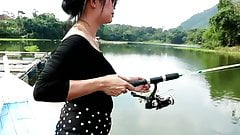 SEXY ASIAN TEEN UPSKIRT (FISHING)