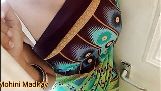 Indian bhabhi had compromised for her house rent with owner